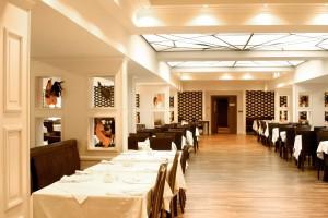 Kuren in Polen: Restaurant des Wellnesshotel Sandra SPA Karpacz in Krummhübel
