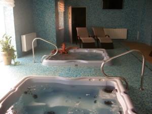 Kuren in Polen: Whirlpools des Kurhotel Sanus in Bad Flinsberg Swieradow Zdroj Isergebirge