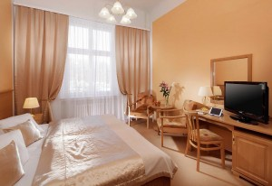 Kuren in Tschechien: weiteres Zimmerbeispiel im Kurhaus Savoy in Franzensbad Frantiskovy Lazne