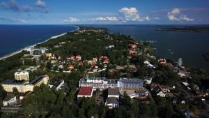 Kuren in Polen: Luftaufnahme des Hotel Unitral in Mielno