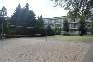 Kuren in Polen: Volleyballplatz vom Apartresort Verano Kolberg Kolobrzeg Ostsee