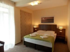 Kuren in Polen: Zimmerbeispiel Suite Schlafraum im Apartresort Verano Kolberg Kolobrzeg