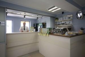 Kuren in Polen: Cafetheke der Villa Merry Swinemünde Swinoujscie