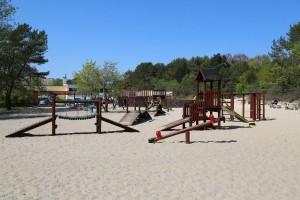 Kuren in Polen: Spielplatz in der Nähe der Villa Merry Swinemünde Swinoujscie