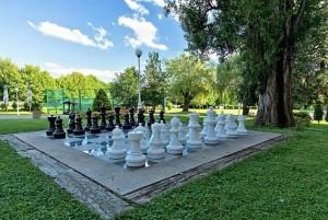 Kuren in Tschechien: Gartenschach des Hotel Agricola Wellness und Sport Resort in Marienbad Mariánské Lázně