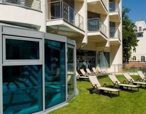 Kuren in Polen: Liegewiese vom Hotel Avangard und Panorama in Swinemünde