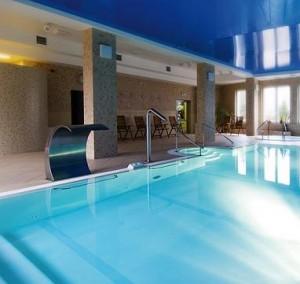 Kuren in Polen: Schwimmbad der Residenz Bielik in Misdroy Ostsee Polen