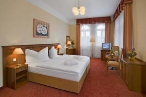 Kuren in Tschechien: Wohnbeispiel Doppelzimmer im Ensana Health Spa Hotel Centrálni Lázne in Marienbad