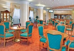 Kuren in Tschechien: Lobbybar im Ensana Health Spa Hotel Centrálni Lázne in Marienbad