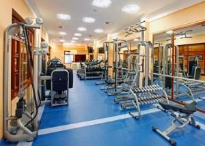 Kuren in Tschechien: Fitnessraum im Ensana Health Spa Hotel Centrálni Lázne in Marienbad