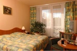 Kuren in Ungarn:Zimmeransicht im Hunguest Hotel Flóra in Eger