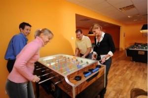 Kuren in Ungarn: Kickertisch im Hunguest Hotel Flóra in Eger