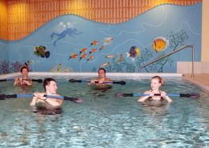 Kuren in Deutschland: Schwimmbad im Medical-Wellness-Zentrum in der Klinik am Haussee