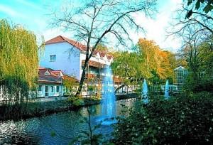Kuren in Deutschland: Blick auf die Kurparkklinik in Heilbad Heiligenstadt