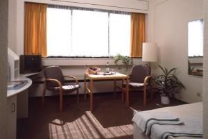Kuren in Deutschland: Wohnbeispiel Doppelzimmer im Gesundheitszentrum Helenenquelle in Bad Wildungen