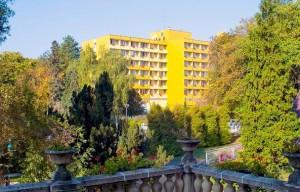 Kuren in Ungarn: Park vom Hunguest Hotel Helios in Héviz