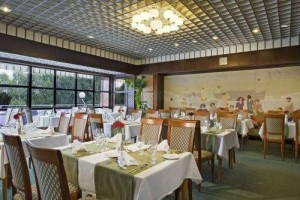 Kuren in Ungarn: Restaurant im Danubius Health Spa Resort Aqua in Héviz