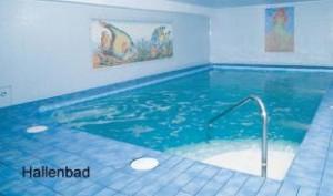 Kuren in Polen: Schwimmbad im Hotel Magnolia 3 in Bad Flinsberg Swieradów Zdrój Isergebirge
