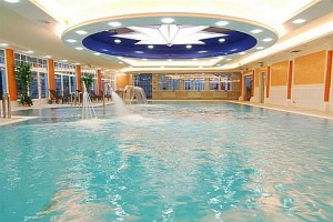 Kuren in Tschechien: Hallenbad im Danubius Health Spa Resort Hvězda in Marienbad