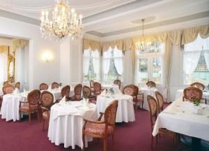Kuren in Tschechien: Speisesaal des Kurhotel Imperial in Franzensbad Frantiskovy Lázne