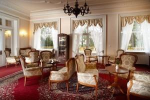 Kuren in Tschechien: Café im Kurhotel Imperial in Franzensbad Frantiskovy Lázne