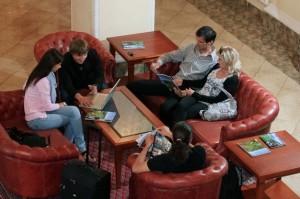 Kuren in Tschechien: Blick in die Lobby vom Hotel Imperial in Karlsbad (Karlovy Vary)