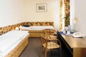 Kuren in der Slowakei: Wohnbeispiel im Jalta Ensana Health Spa Hotel in Piestany Pistyan