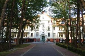 Kuren in Polen: Außenansicht des Hotel Kaisers Garten in Swinemünde
