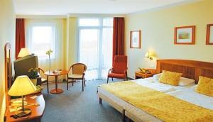 Kuren in Ungarn: Zimmer im Hotel Karos SPA in Zalakaros