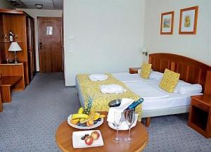 Kuren in Ungarn: Zimmerbeispiel im Hotel Karos SPA in Zalakaros