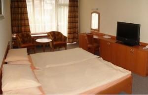 Kuren in der Slowakei: Zimmerbeispiel im Kurhaus Krym in Trencianske Teplice