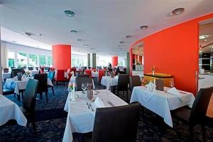 Kuren in Ungarn: Speiserestaurant im Lotus Therme Hotel und Spa in Heviz