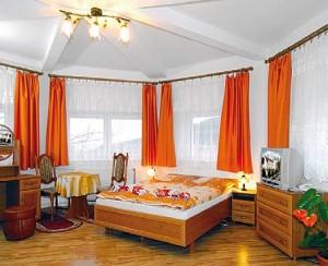 Kuren in Polen: Wohnbeispeil im Hotel Magnolia 1 in Bad Flinsberg Swieradów Zdrój Isergebirge