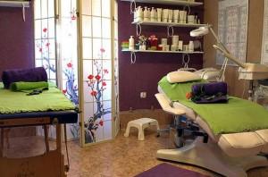 Kuren in Polen: Behandlungsraum im Hotel Magnolia 3 in Bad Flinsberg Swieradów Zdrój Isergebirge