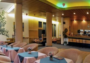 Kuren in der Slowakei: Bar des Kurhotel Maj in Piestany Pistyan