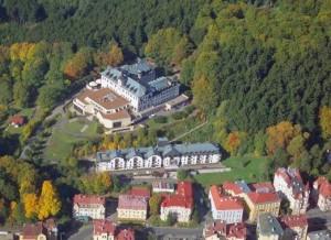 Kuren in Tschechien: Luftaufnahme des Hotel Monty in Marienbad Mariánske Lázne