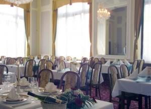 Kuren in Tschechien: Speisesaal im Hotel Monty in Marienbad Mariánske Lázne