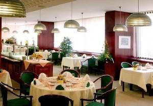 Kuren in der Slowakei: Restaurant des Kurkomplex Spa Hotel Grand Splendid in Piestany Pistyan