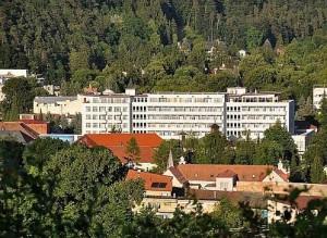 Kuren in der Slowakei: Blick auf das Kurhaus Pax in Trencianske Teplice
