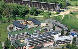 Kuren in Polen: Außenansicht der Kurklinik Pod Tezniami in Ciechocinek