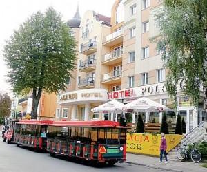 Kuren in Polen: Blick auf das Hotel Polaris 2 in Swinemünde Swinoujscie Ostsee