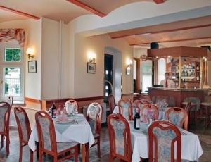 Kuren in Tschechien: Speisessaal im Hotel Villa Regent in Marienbad Mariánske Lázne Westböhmen
