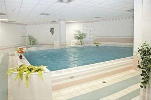 Kuren in Tschechien: Hallenschwimmbad im Hotel Reitenberger in Marienbad Marianske Lazne