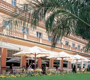 Kuren in Tschechien: Terrasse vom Parkhotel Richmond in Karlsbad Karlovy Vary