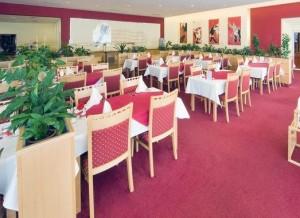 Kuren in Tschechien: Speisesaal im Spa Resort Sanssouci in Karlsbad Karlovy Vary