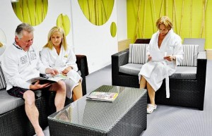 Kuren in Polen: Wartebereich von Behandlungen im Sanatorium San in Kolberg Kolobrzeg Ostsee