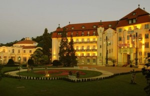 Kuren in der Slowakei: Blick auf das Thermia Palace Ensana Health Spa Hotel in Piestany Pistyan