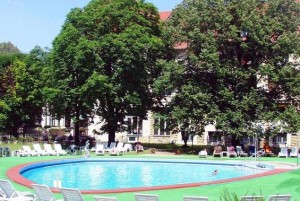 Kuren in der Slowakei: Thermalaußenpool im Kurhotel Thermia Palace in Piestany Pistyan