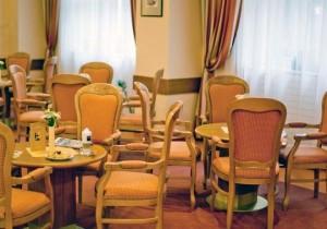 Kuren in Polen: Cafe des Kurhotel Vltava Marienbad Mariánske Lázne