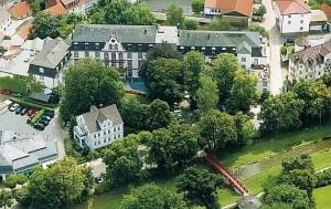 Kuren in Deutschland: Außenansicht vom Dr. Wüsthofen Gesundheits-Resort in Bad Salzschlirf